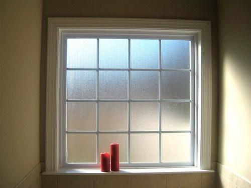 okno-v-vannoj-09